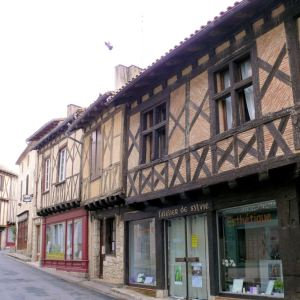 Issigeac | Things to See and Do in Issigeac, France
